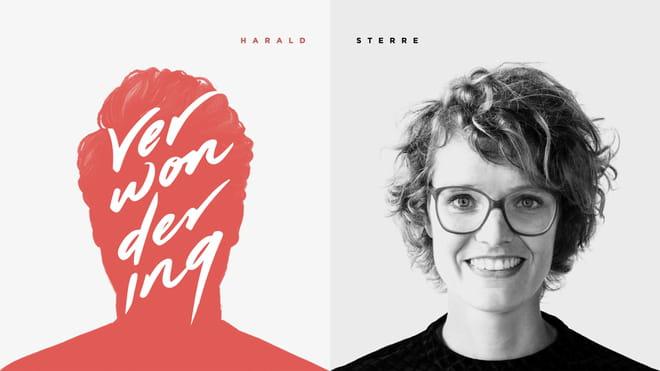 We zien het artwork van Verwondering, de podcast over design waar je beter van gaat kijken. Rechts zien we de portretfoto van Sterre Sprengers. Links zien we het getekende hoofd van Harald Dunnink.