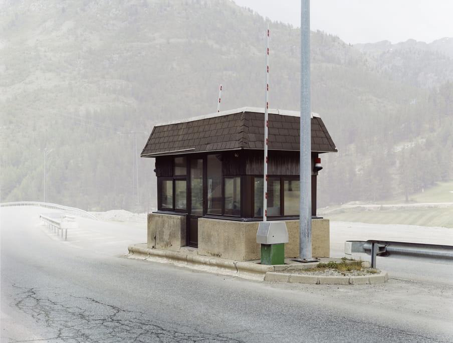 Frankrijk - Italië, Uit de serie 'Übergang' door Josef Schulz / Pictoright.